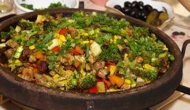 Meat med grönsaker royaltyfri bild