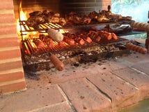 Meat på grilla arkivfoto