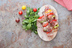 Meat skewers with vegetables Royalty Free Stock Photography