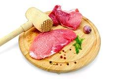 Meat som avvisas med trämalleten fotografering för bildbyråer