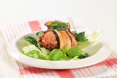 Meatball envolvido na beringela Imagem de Stock