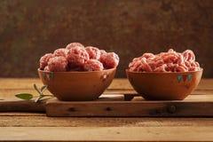 meatballs сырцовые Стоковые Фотографии RF