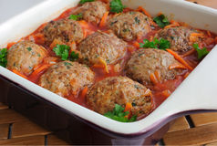 meatballs трав готовят томат соуса Стоковая Фотография RF