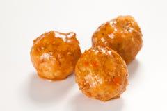 Meatballs com ervilhas verdes Fotografia de Stock Royalty Free