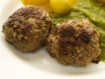 Meatballs e batatas Imagem de Stock Royalty Free