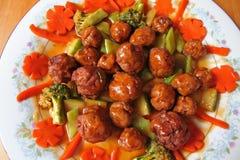 Meatballs e vegetais Fotografia de Stock Royalty Free