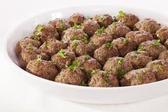 Meatballs em um prato de serviço Imagens de Stock Royalty Free