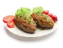 Meatballs fritados com salada, aneto e tomates Foto de Stock Royalty Free
