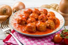 Meatballs i tomatsås Arkivbild