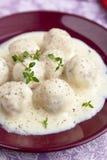 Meatballs i vitsås Royaltyfria Bilder