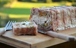Meatloaf στο terrine με το φυστίκι Στοκ Φωτογραφία