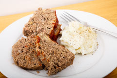 Meatloaf and Mashed Potatoes Royalty Free Stock Images