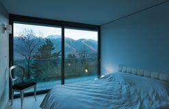Meblujący mieszkanie, sypialnia Zdjęcia Stock