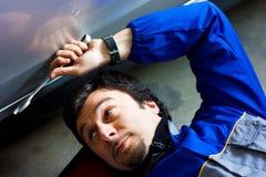 Mecánico en el trabajo Foto de archivo libre de regalías