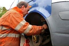 Mecánico en el trabajo foto de archivo