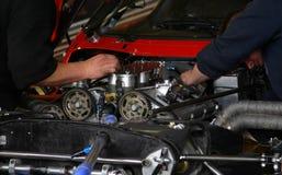 Mecánico en trabajo Foto de archivo