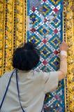 Mecânico na manutenção dos edifícios Fotos de Stock Royalty Free