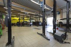 Mecânicos da garagem Imagens de Stock Royalty Free