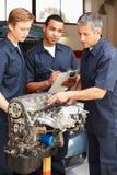 Mecânicos no trabalho Fotografia de Stock