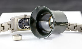 Mecanismo de Digitas de um relógio de pulso análogo imagem de stock royalty free