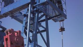 Mecanismo de funcionamento para a produção de petróleo video estoque