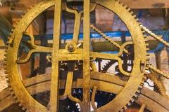Mecanismo del reloj del vintage en la catedral - Amsterdam Países Bajos Fotos de archivo