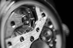 Mecanismo dentro de un reloj viejo Fotografía de archivo libre de regalías