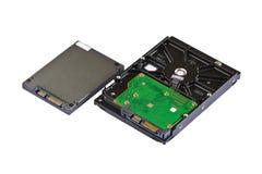 Mecanismo impulsor de estado sólido (SSD) y mecanismo impulsor de disco duro (HDD) Foto de archivo