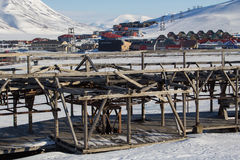 Mecanismos del viejo sistema para transportar el carbón en Longyearbyen, escupitajo Foto de archivo