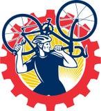 Meccanico Carrying Bike Sprocket della bicicletta del ciclista retro Fotografie Stock