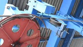 Meccanismo della ferrovia dell'estremità della cabina di funivia nell'azione alla luce naturale archivi video