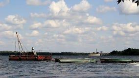 Meccanismo di sollevamento per le barche stock footage
