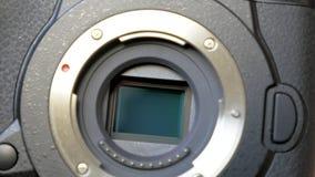 Meccanismo di stabilizzazione di immagine sul sensore della macchina fotografica digitale mirrorless archivi video