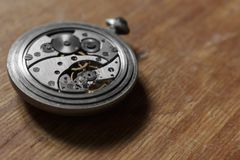 Meccanismo di vecchi orologi da tasca Immagini Stock Libere da Diritti