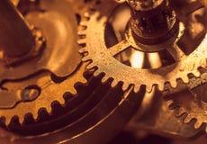 Meccanismo e dettagli di vecchio retro primo piano dell'orologio Immagine Stock
