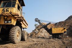 Mechanical Loading of Coal Royalty Free Stock Photos