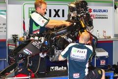 Mechanical working on Suzuki GSX-R1000 Team Fixi Crescent Suzuki Superbike WSBK Royalty Free Stock Image