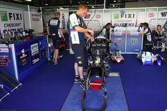 Mechanical working on Suzuki GSX-R1000 Team Fixi Crescent Suzuki Superbike WSBK Stock Photo