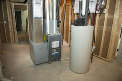 Free Mechanicals, Furnace, Water Heater, Air Conditioning Royalty Free Stock Photos - 172824598