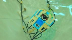 Mechaniczny Aqua larwy Rover basen zdjęcie wideo