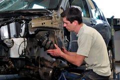 Mechaniker bei der Arbeit. Stockfotos