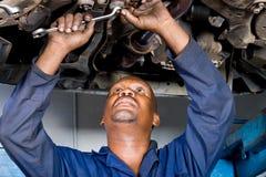 Mechaniker bei der Arbeit Lizenzfreies Stockfoto