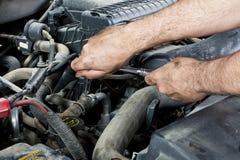 Mechaniker mit Hilfsmitteln Lizenzfreie Stockfotos