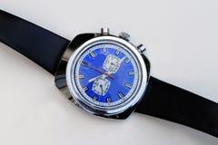 mechanische Armbanduhr des Siebzigerjahre Mens-Chronographen Stockfotografie