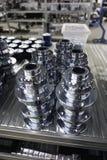 Mechanische toestellen in metaal in pakhuis stock afbeeldingen