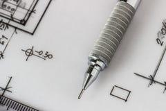 Mechanischer Bleistift auf Zeichnung Stockfoto