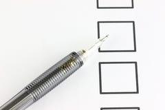 Mechanischer Bleistiftpunkt zum Checkbox. Lizenzfreies Stockfoto