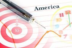 Mechanischer Bleistiftpunkt zum Punkt auf Amerika-Diagramm. Stockfotografie