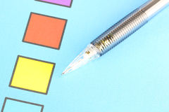 Mechanischer Bleistiftpunkt, zum von Checkbox gelb zu färben Lizenzfreie Stockbilder