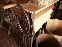 Mechanischer Wäschereitrockner der Weinlese stockfotos
